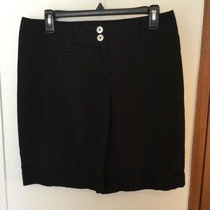 White House Black Market Size 6 Bermuda Shorts EUC